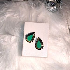 Gorgeous Gold & Green Vintage Earrings